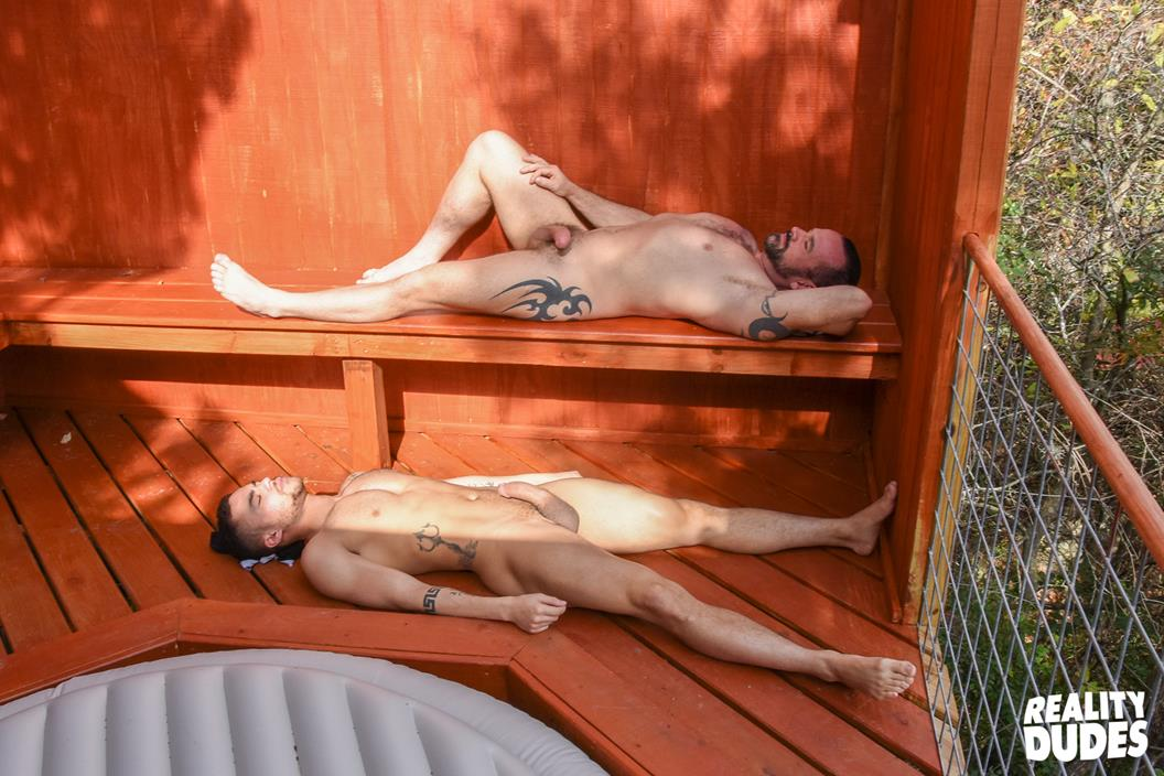 RealityDudes – Dudes In Public 19 – Pool Deck – Ethan Ayers & Beaux Banks