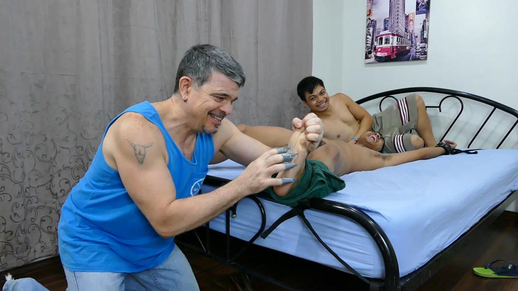 LaughingAsians – Kenny Cruz Tickled Silly