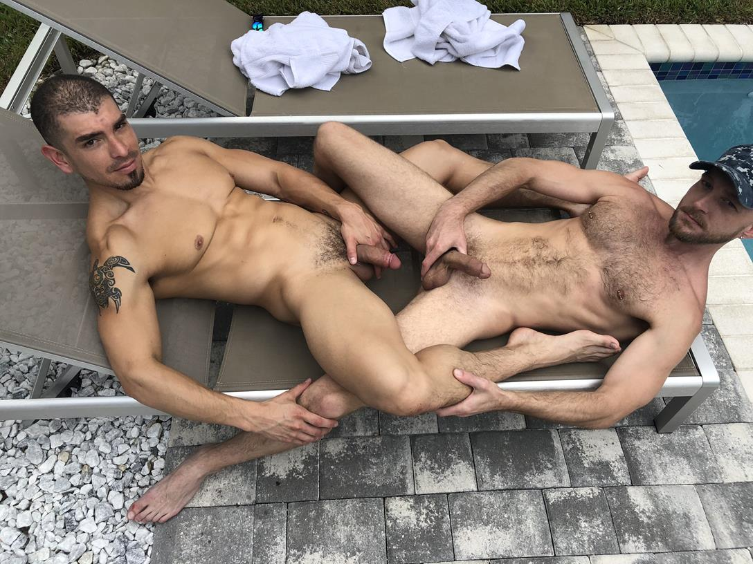 DeviantOtter – Big Ass Muscle – Featuring Jeremy Spreadums!