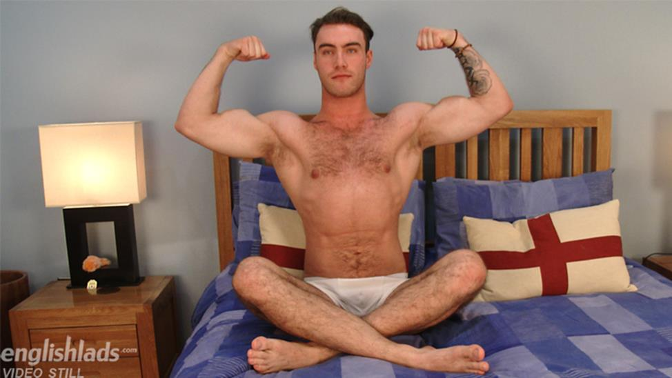 EnglishLads – Straight & Hairy Blake Hurd Pumps his Massive Uncut Cock and Shoots his Big Load!