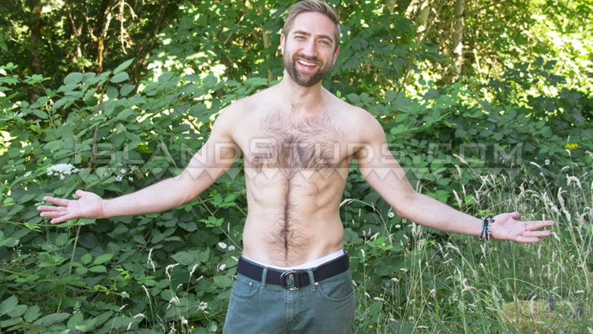 IslandStuds – Bearded Mark is Back! 8″ Super Hairy Jock Pumps Iron, Opens Hole, Pees & Blasts a Big Load in Oregon!