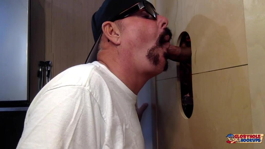 GloryHoleHookups – Dad Ready To Unload At The Gloryhole