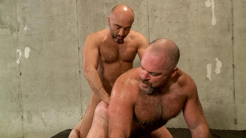 DaddySexFiles - Power Bottom Bronson Gets It - Bronson Gates, Brian Davilla DaddySexFiles
