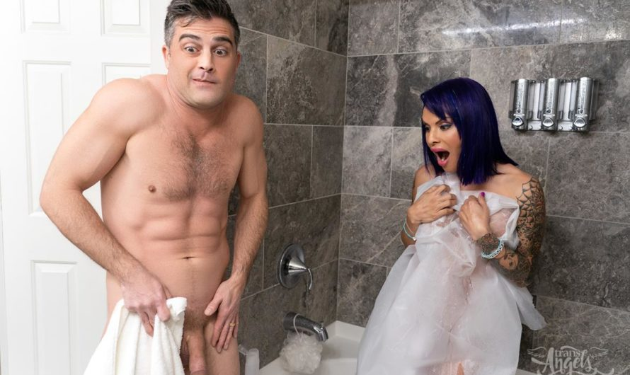 TransAngels – Dirty Towels – Foxxy & Lance Hart