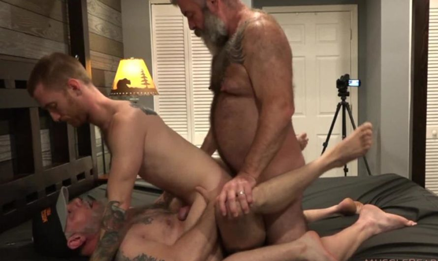 MuscleBearPorn – Little Red Riding Cock – Seamus O'Reilly, Liam Angell, Will Angell