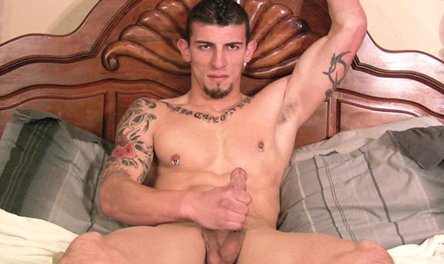 StraightFraternity – Isaac – Uncut Muscle Stud Blows A Huge Load