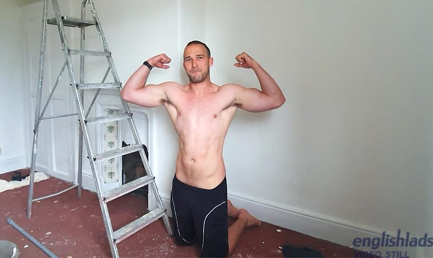 EnglishLads – Straight Muscular Builder Rich Wills