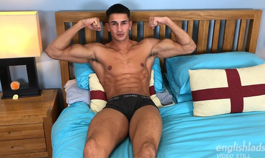 EnglishLads – Straight Muscular Hunk Hector Malik Shows off his Body