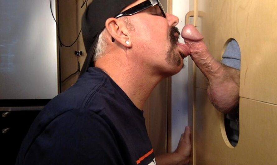 GloryHoleHookups – New Guy Tries Both Ends At The Gloryhole