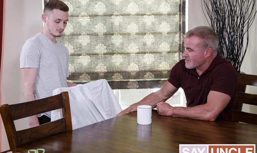 FamilyDick – Grandpa's Ghost Costume – Josh Cannon, Dale Savage