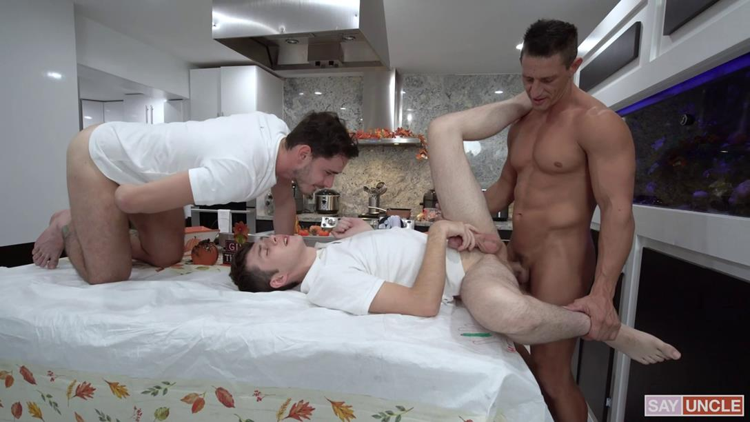 FamilyDick - Family Thanksgiving - Jax Thirio, Dakota Lovell and Gabriel FamilyDick