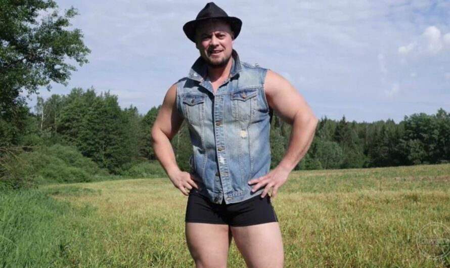 TheGuySite – Russian Strongman Oleg Jerks Off in the Country