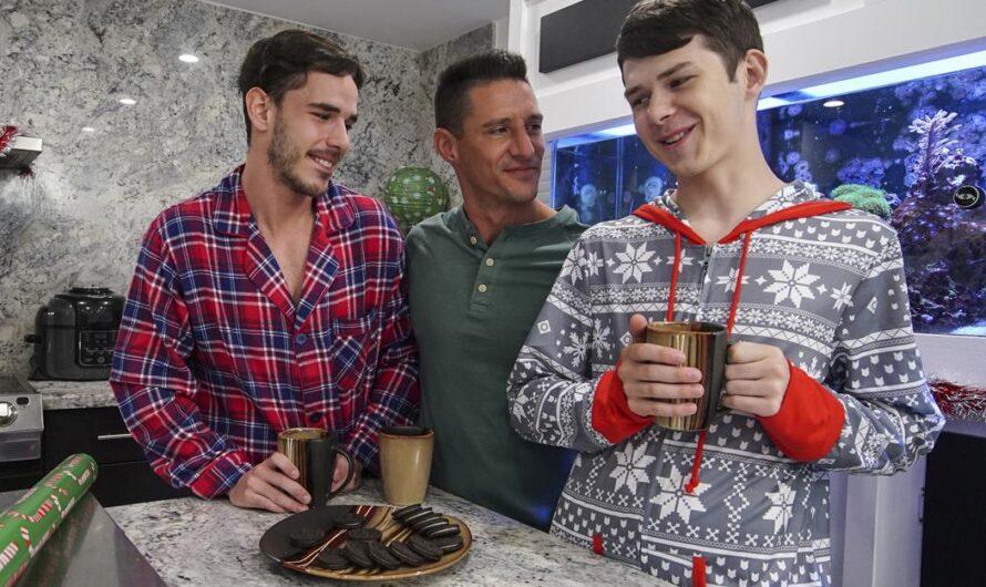 FamilyDick – Unwrapping Our Christmas Present – Dakota Lovell, Gabriel, Jax Thirio